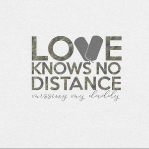 "Toddler T-Shirt ""Love Knows No Distance"" White"